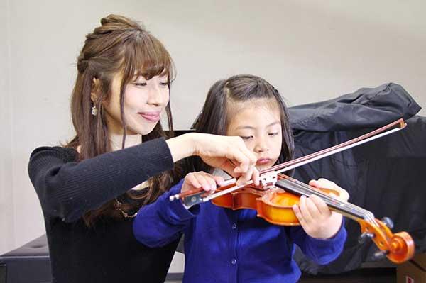 ヴァイオリンレッスンイメージ